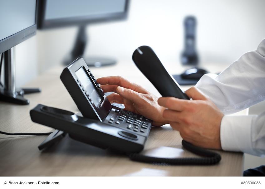 BAG: Kein Anspruch auf seperaten Internet - und Telefonanschluss (Brian Jackson/fotolia.com)