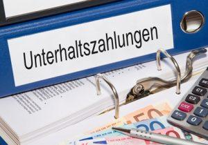 OLG Karlsruhe: Auskunft zur Berechnung des Unterhalts nur alle 2 Jahre